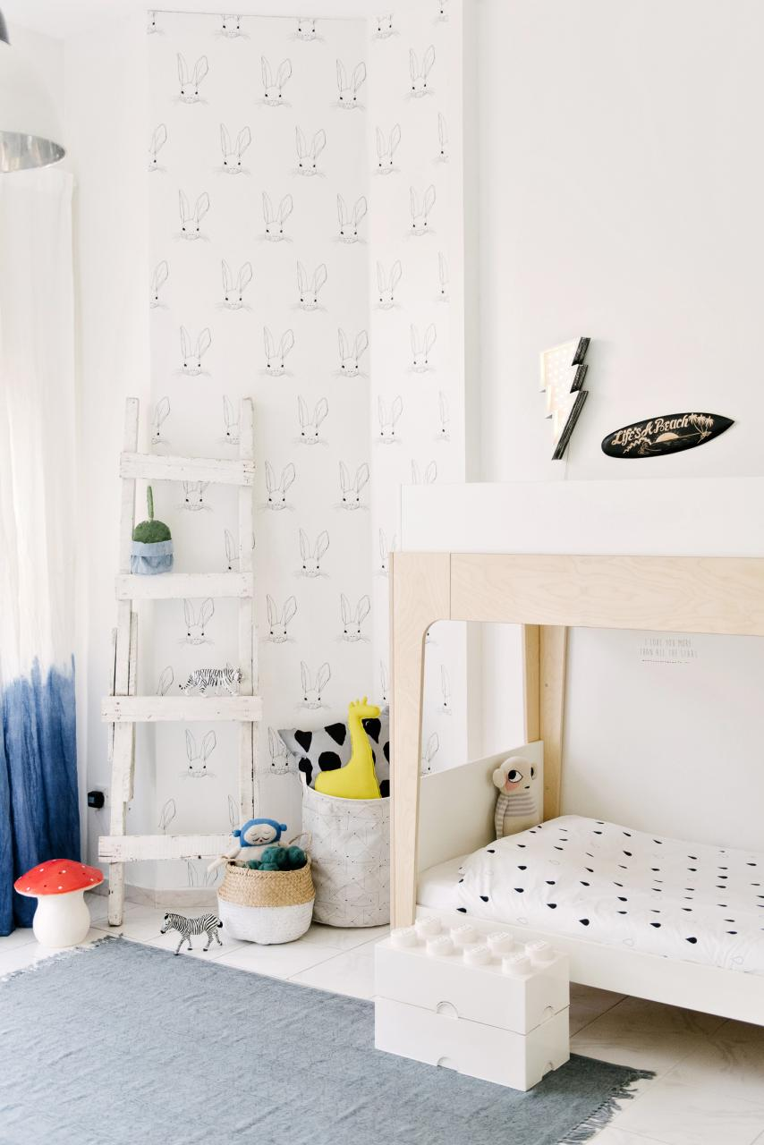 5 Minimal and Playful Wallpapers for a Kids Room